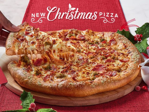 NIGHTMARE NUTRIENTS: A Christmas Pizza from Pizza Hut + a Gravy Burger from KFC