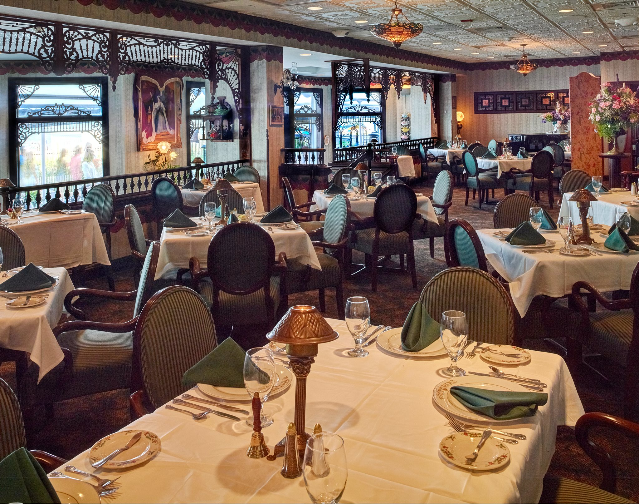 Victorias Restaurant dining tables Work