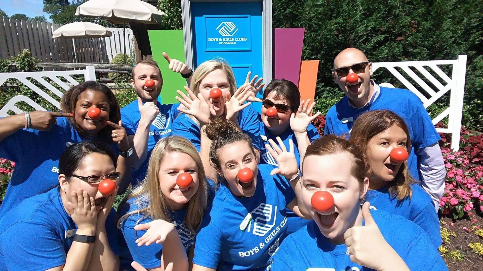 Busch Gardens Staff Work and Travel IECe
