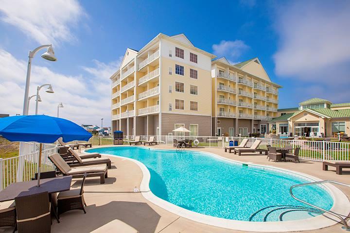 Hilton Garden pool Work and Travel IECetner