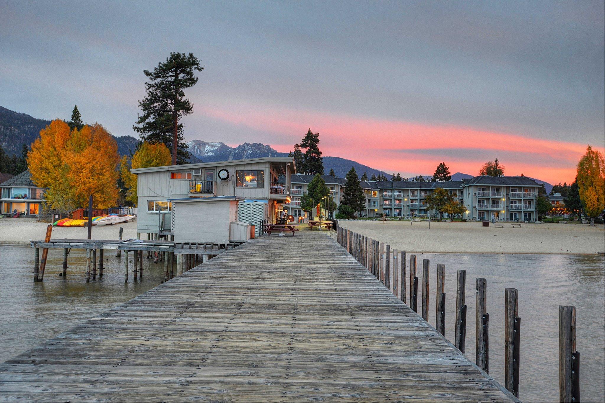 Beach Retreat pomost Work and Travel IECenter