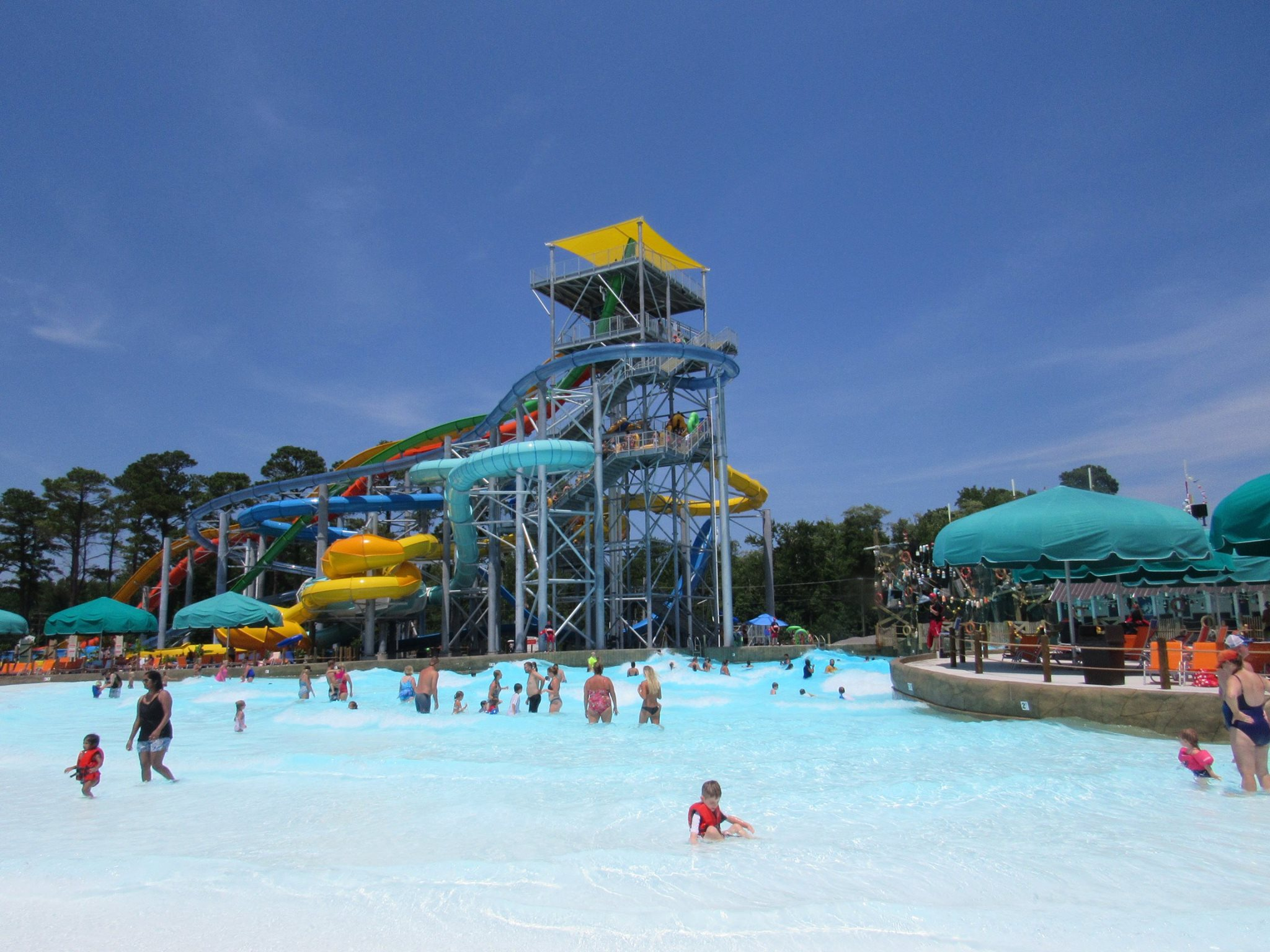 H2 OBX Waterpark pool view Work and Travel IECenter