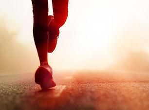 corredor-corriendo-mujer-hombre.jpg