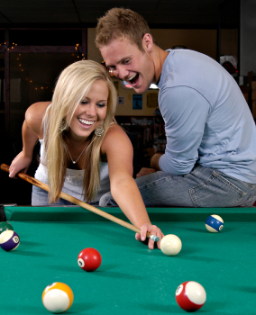 Couple_Playing_Pool2