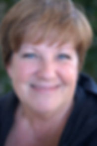 Headshot Elaine.jpg
