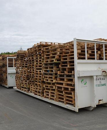 mise à disposition de plateau pour palettes bois