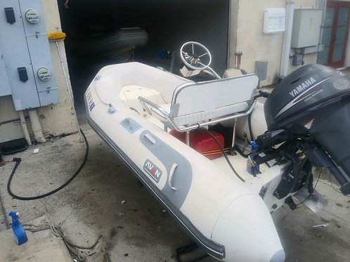 11' Avon Eurohelm with Yamaha 20 4-stroke
