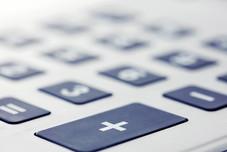 BGH, 16.12.2020 - 4 StR 526/19: Benutzung eines Taschenrechners am Steuer nach § 23 StVO verboten