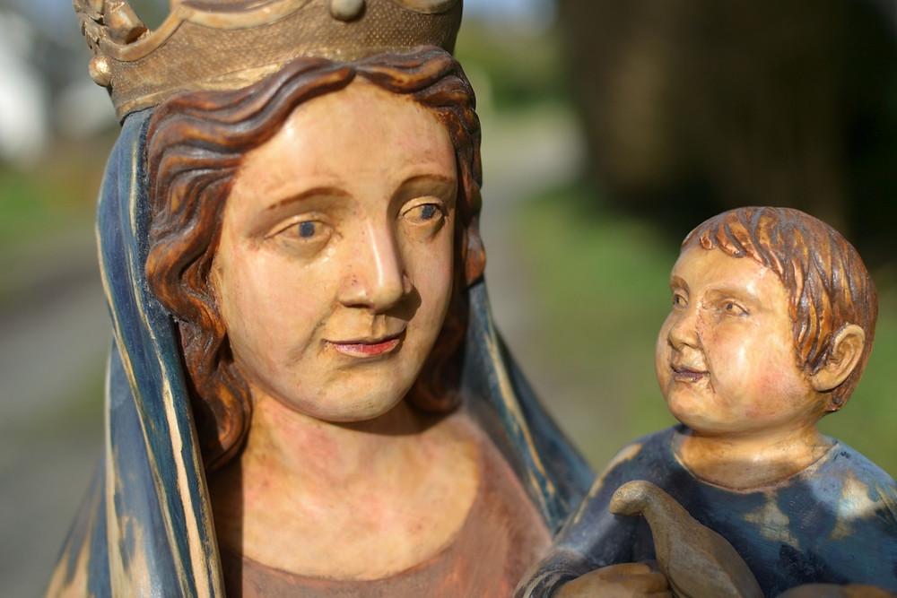 Statue ND de Franchard réisnatllée à l4eglise Saint Louis de Fontainebleau