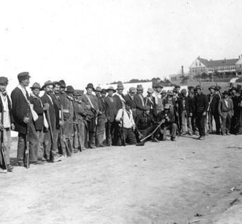 Des grévistes armés au Camp Beshoar