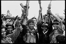 Enfants soldats Khmers rouges - Et qu'elle ne se relève pas