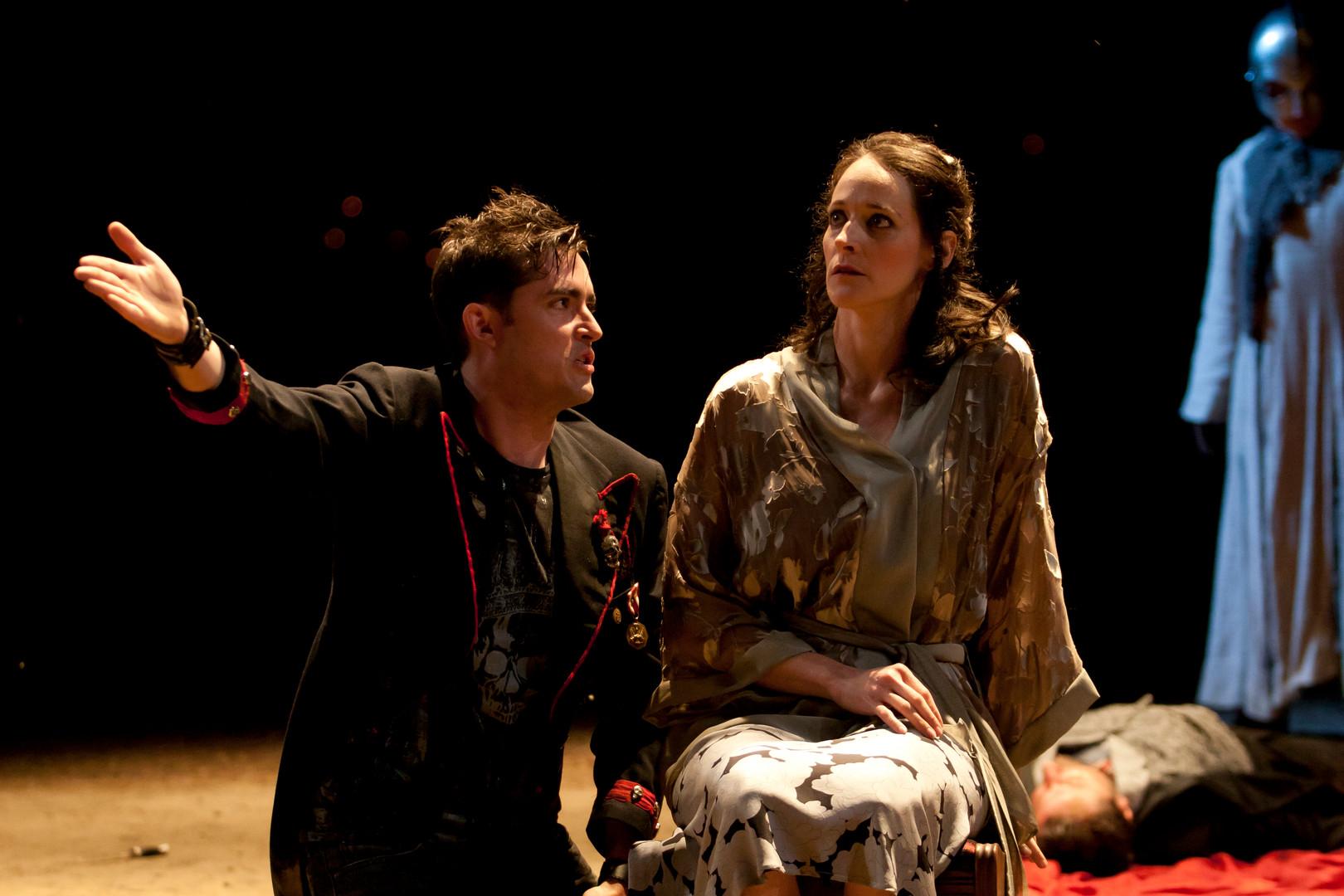 Hamlet-34-2.jpg