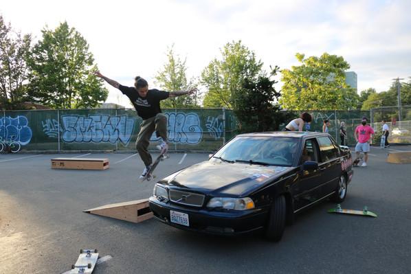 Kicker to Car