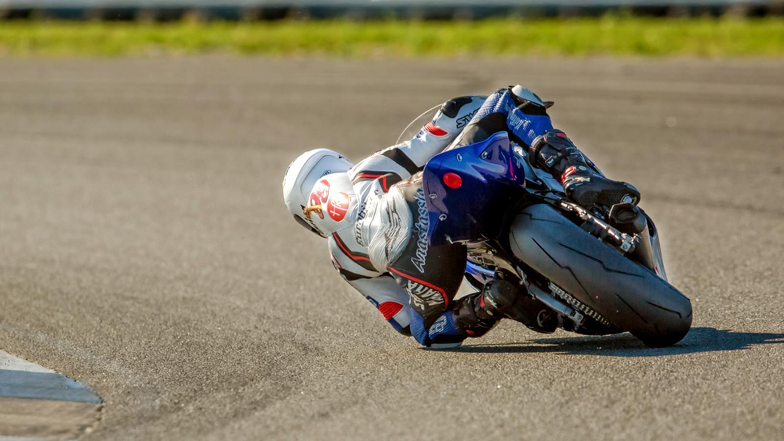 anastassia-kovalenko-motosport-9.jpg