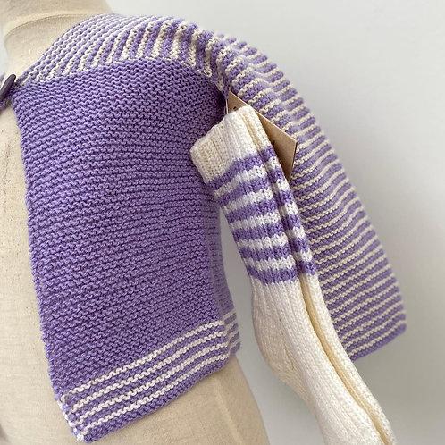 Strikket jakke og sokker i ull