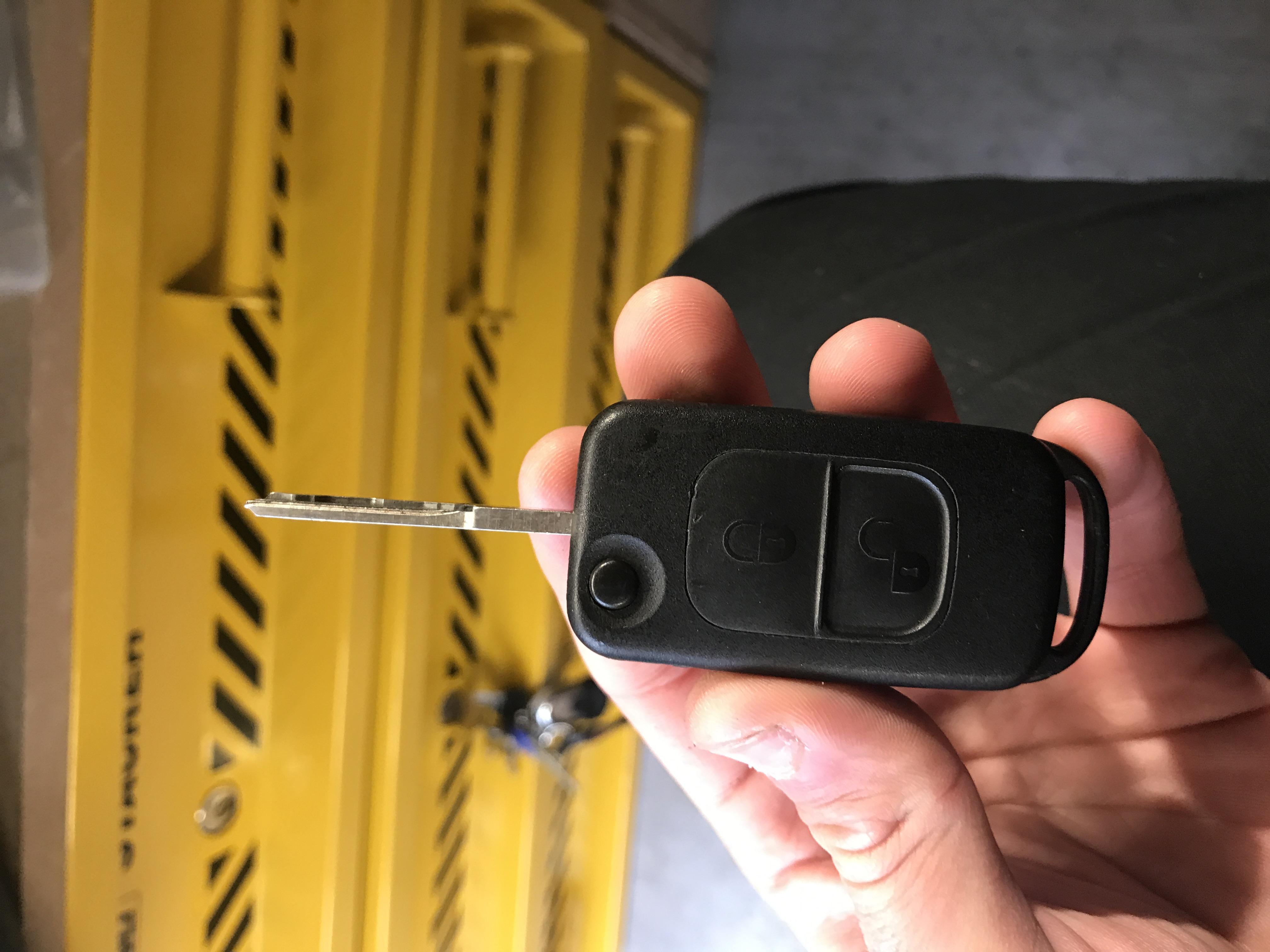 Older Mercedes flip keys