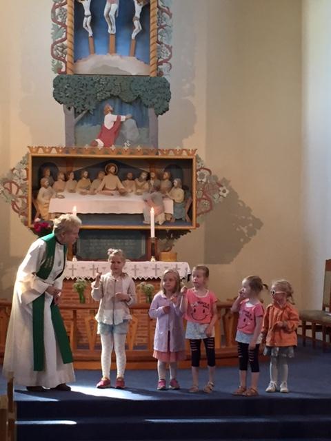 Julebygda 19.06.16 Ragnhild Fasseland og barn