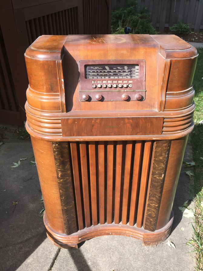 50s Box Radio:  Whatcha Got In There?