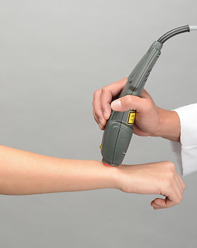 Mphi5_Application_Handpiece_Wrist_Closeu