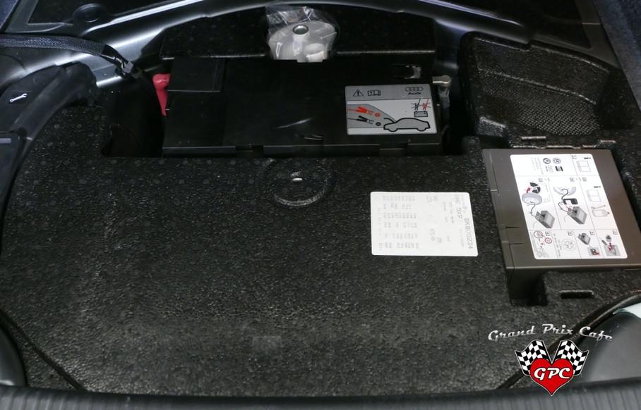 2008 AUDI RS400048.JPG