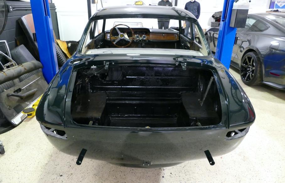 1965 330 GT 2+2 series II b00004.JPG