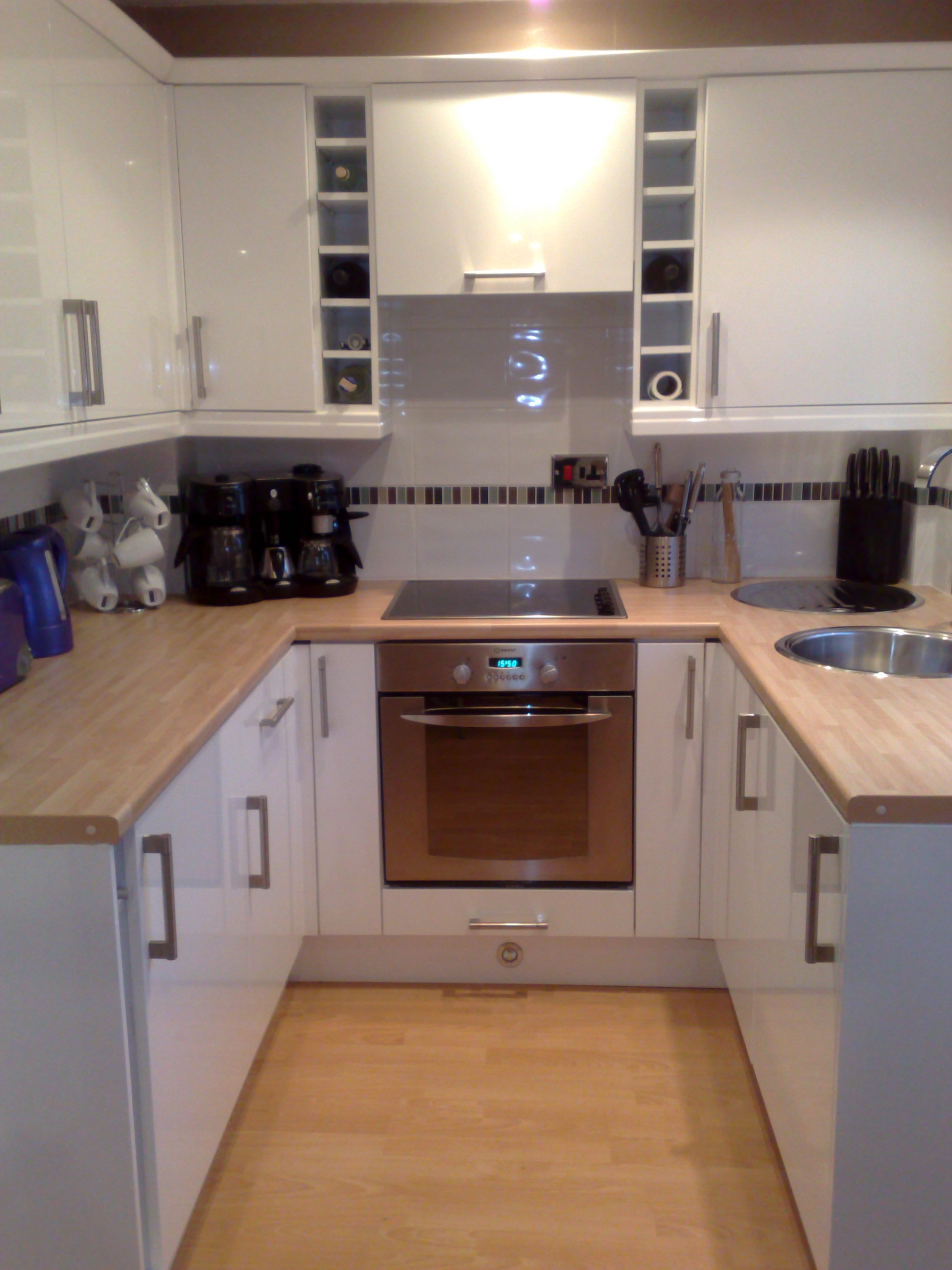 Gloss White & Beech Block Worktop.