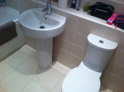 Slim Fitting Toilet and Basin.
