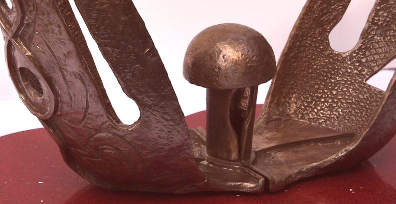 Anne Furnaris, The Cosmic Egg I - Bronze - Detail.jpg