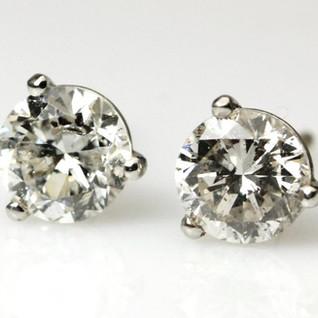 Classic diamond studs
