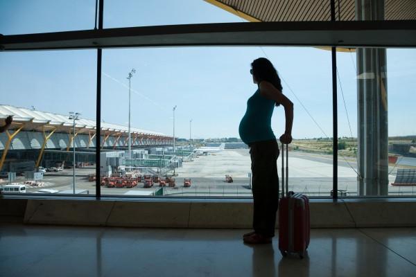 Una compagnia aerea può rifiutarsi di imbarcare una donna incinta?