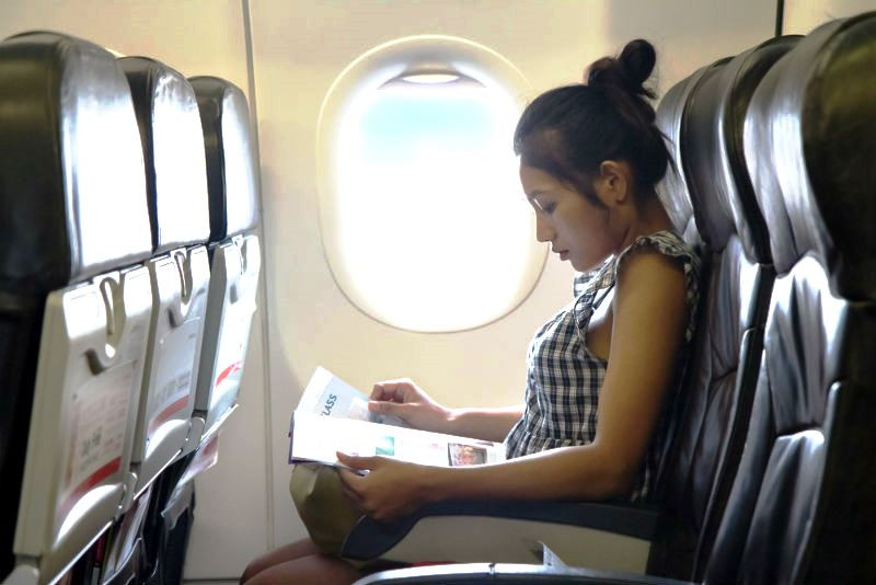 Come trascorrere il tempo in aereo?