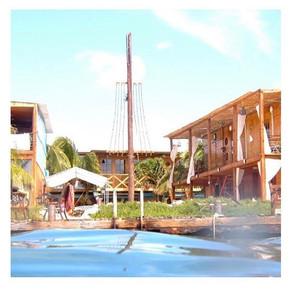 19 Year Old Girl Visits Aruba Alone