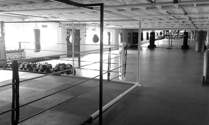 Lonsdale%20Gym_edited.jpg