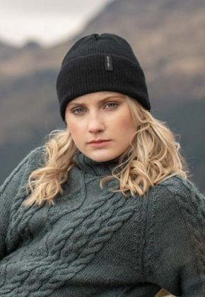Black ribbed woollen hat