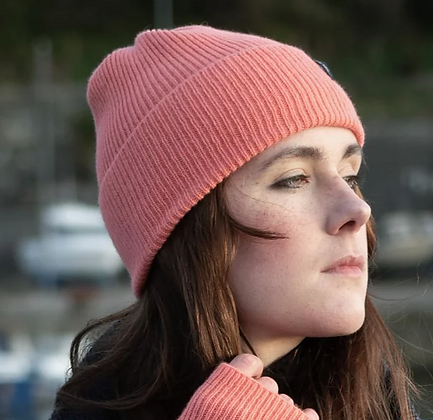 Coral ribbed woollen hat