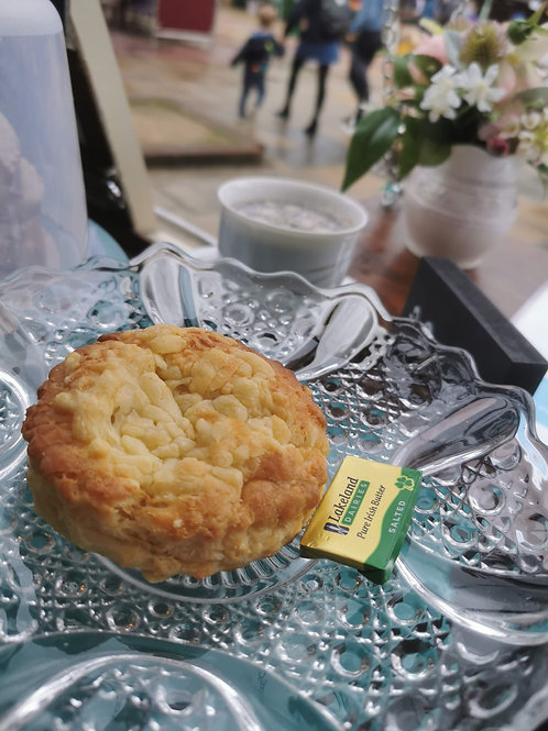 Cheese Scone with Butter portion