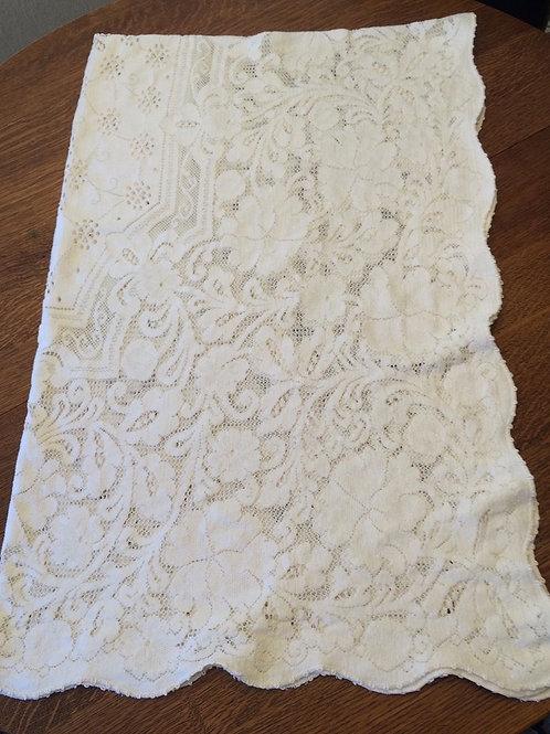White Quaker Lace Table Cloth-Vintage