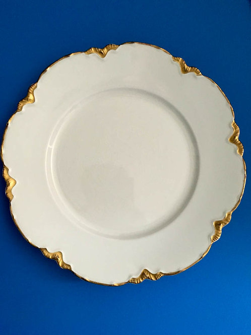 WHITE VINTAGE GOLD SCALLOPED EDGE PLATES