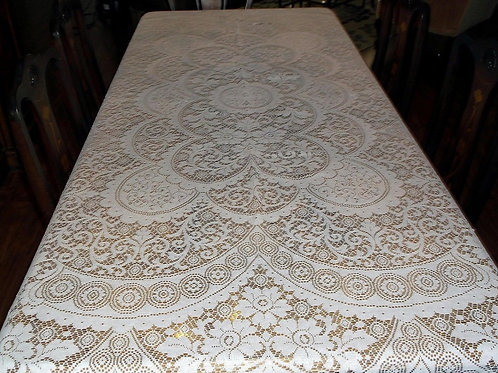 STUNNING VINTAGE WHITE LACE TABLECLOTH