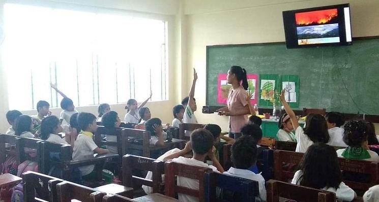 Sierra_in_the_classroom.jpg