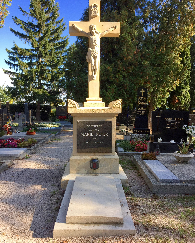 Friedhofskreuz_Münschendorf_danach_JPG