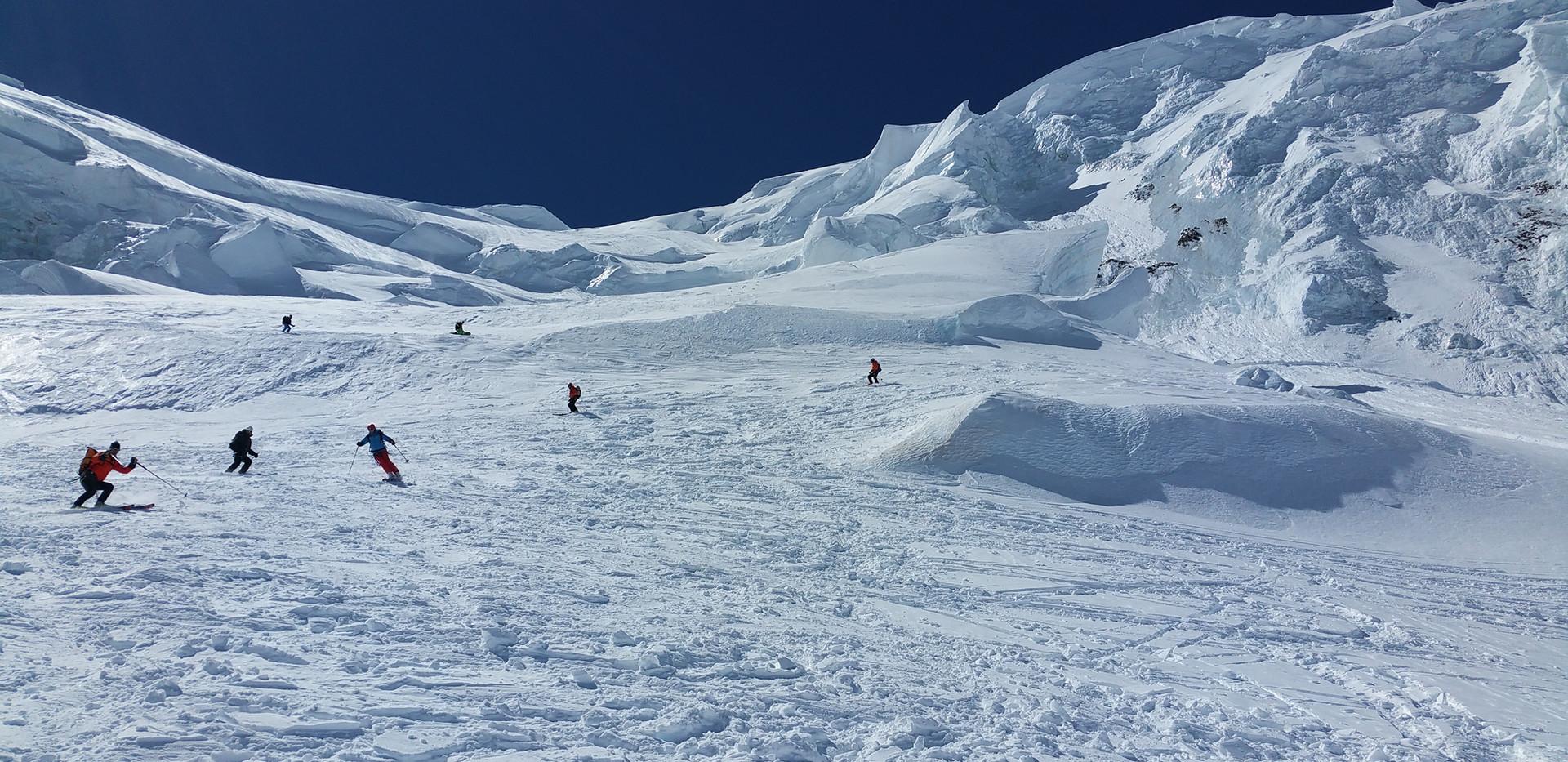Montagne-escape Ski et cascade de glace