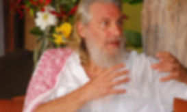 Spiritual teacher Shunyamurti leading a satsang