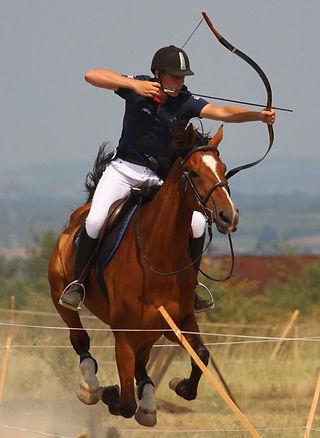 tir à l'arc à cheval.jpg