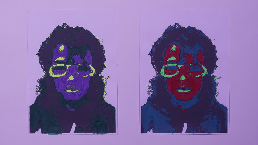 Plongée en apnée dans le pop art d'Andy Warhol. Warhol est bien connu pour ses déclinaisons de portraits avec des variations de couleurs à partir d'une même image. Nous avons photographié chaque élève muni de lunettes de plongée puis simplifié les images en noir et blanc sur ordinateur. Nous avons demandé aux enfants de réaliser 2 versions de leur portrait en attribuant une couleur à chaque valeur de gris.