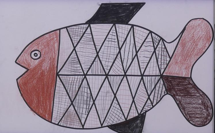 POISSONS ABORIGÈNES, pierre noire, sanguine, crayons de couleurs - École privée les Roseaux, Soullans, CE2