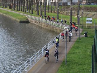 Met dertig enthousiastelingen op de fiets van Halle naar Boom: een verslag
