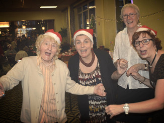 Kerst in het Lokaal Dienstencentrum van ADO Icarus in Neder Over Heembeek