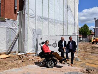 Eerste spadesteek voor nieuwe dienst voor zelfstandig wonen in Izegem
