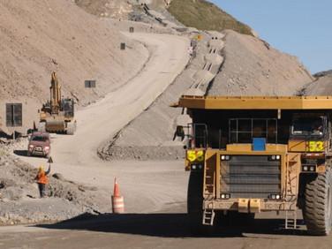 MEM simplifica normas para impulsar inversión en minería